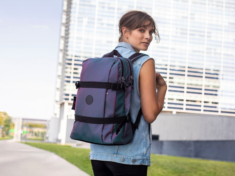 Urban style beyond campus! College and university bags